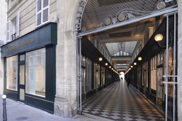 louboutin negozio parigi