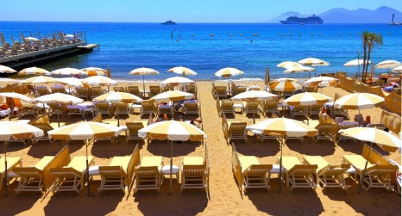beach-cannes-the-french-riviera-france_main