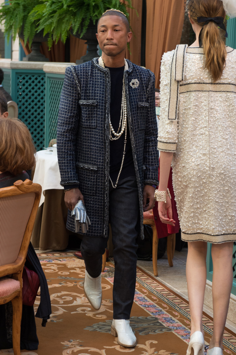 chanel_matier_darts_2017_pre_fall_pharrell