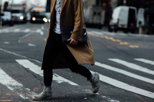 onthestreet-new-york-fashion-week-february-2017-gentsome-magazine4