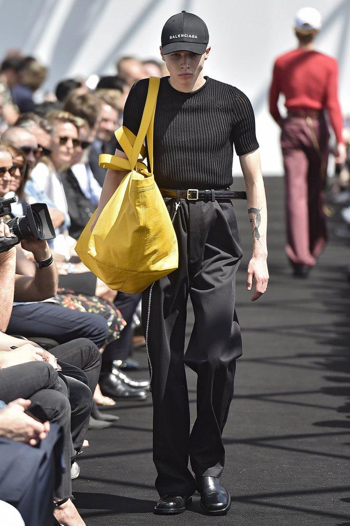 Balenciaga-Men-SpringSummer-2017.jpg
